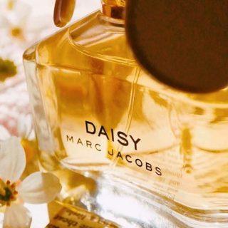 Nog op zoek naar een leuk Moederdag cadeau? Onze special, geïnspireerd op de geur Daisy is een super leuk cadeau waarmee je iemand kan verrassen. Daarnaast hebben we een divers aanbod van geuren, voor iedere smaak wat wils💖🤗   #kaarsen #geurkaarsen  #sojakaarsen #duurzaam #vegankaarsen #geurkaars #sojawas